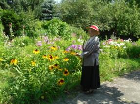 Kama Sycz w ogrodzie4