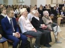 goście honorowi od prawej dr Wanda Półtawska, Kamila ycz, Barbara Oratowska
